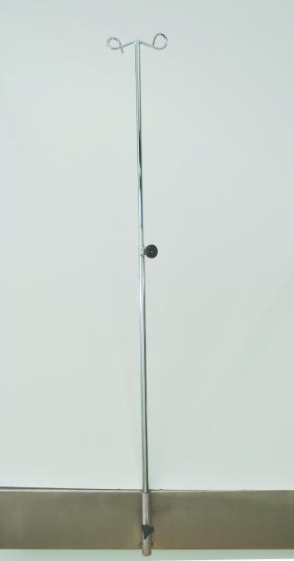 IV Pole – OO042